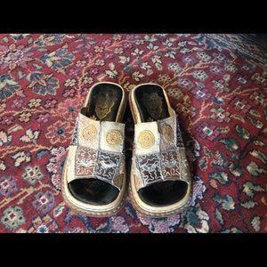 Like new Rieker super cute sandals size 37